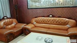 有一组合皮沙发出售