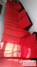 卖9成新红色高档环保沙发.皇朝家私大品牌1000元
