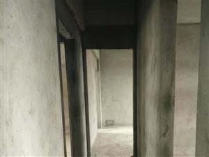 市一小海虹家园电梯3房2卫105平毛坯南北通