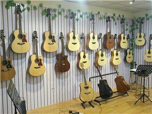 学吉他弹唱哪里去郑州二七琴声琴语吉他教室让您最满意
