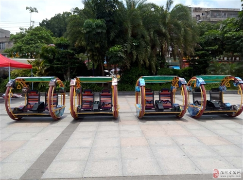 转让广场娱乐机器人和乐吧车