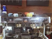 商用双头意式咖啡机一套。