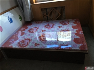 急售!!!出售一张9.9成新的木床,只用了三个月不到