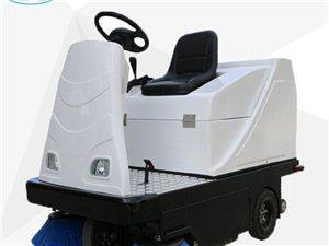 新款XL-1350吸扫一体驾驶式电动清扫车厂家小林