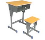 出售8成新学生课桌椅