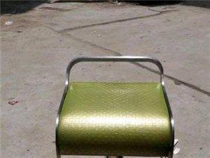 出售快餐店95成新浅绿色旋转椅9把