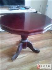 出售家里的家具,沙发、木桌、小圆桌等等。