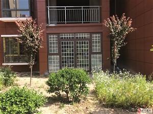 出售鸿博家园小区一楼带院115�O