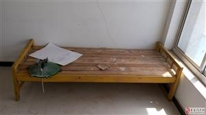 出售几张二手床,货架,办公桌