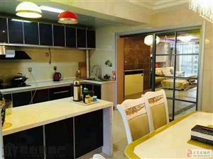 出售:金水豪庭 豪华装修 204平 仅售110 送家具家电