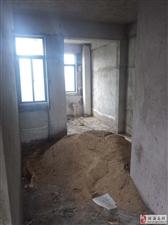 电梯三房两厅仅4700一平