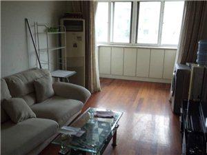 大面积房型正,精装修,价格低,交通方便,看房方便