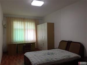 160平米3室2厅1厨2卫最近新装家电齐全拎包入住