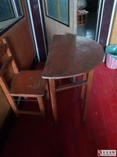 学习桌椅一套
