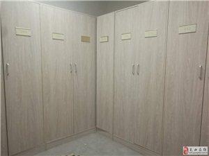 九成新家用商用衣柜,书架,格子置物架低价处理