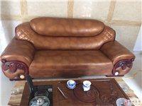 出售8成新真皮沙发