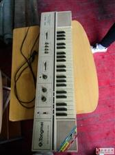 通美牌电子琴出卖