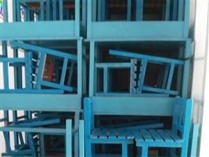 低价出售实木桌椅20套,大钢化玻璃黑板两块