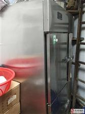 低价出售9成新冷冻柜、油炸机、搅拌机、高脚凳