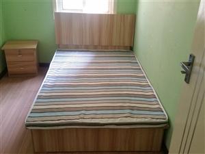 地价出售原厂双人床含床垫!武汉地区送货上门~