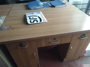 出售不满一年办公桌椅5套(可单买)