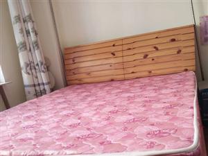 出售 8成新 松木床 带厚垫子 自提