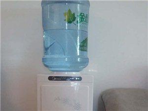 出售9成新美的饮水机一台