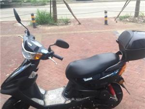 自用摩托车出卖,九九成新,四千公里,就上班来回骑,无磕碰
