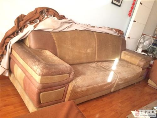 客廳真皮沙發