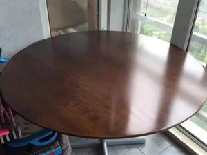 出售 29寸飞利浦显示器一个  实木圆桌一个