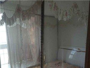 豪庭华苑江景房,装修不错,只要28.8万元