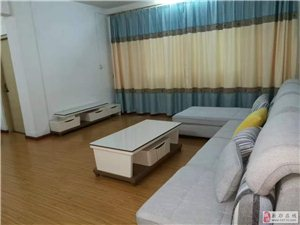 3室2厅2卫1200元/月