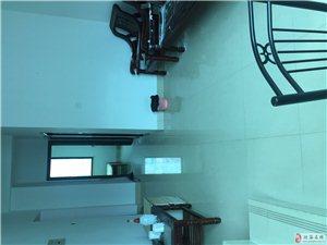 碧海苑 装修好的复式楼3房 3800元/平