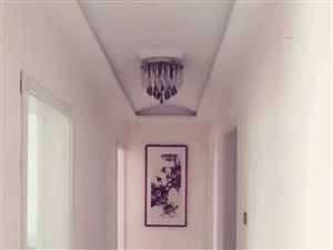 上海世家5室2厅2卫95万元带储藏室免费车位