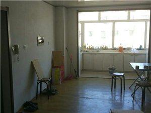 和平路八道街2室1厅1卫7500元/月