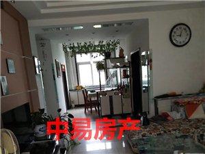 2586招远出售丽湖一期1楼带院129平米精装89万元