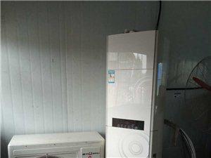 出售95成新立式大三匹空调柜机