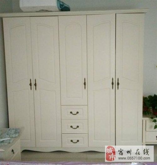 转让9成新纯实木白色5门欧式大衣柜