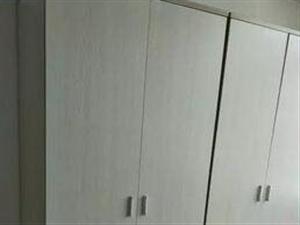出售7个两门衣柜,图为实物,欢迎来电咨询