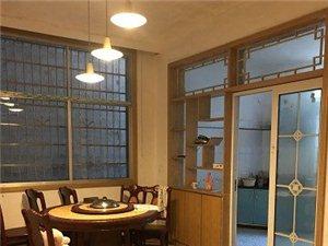 私家两层半楼房,底价出售,双证齐全。