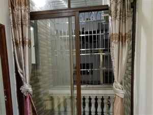 低楼层带电梯 、单间出租、卫生间、厨房