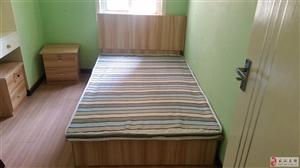 低价出售原厂双人床!三门衣柜!床头柜等!武汉地区送