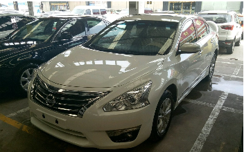 出售一台B级车日产天籁