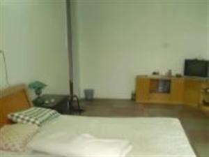 新华路1室1厅1卫350元/月