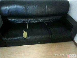 专业修复和翻新各种沙发、皮衣、皮鞋、皮包、洁具等