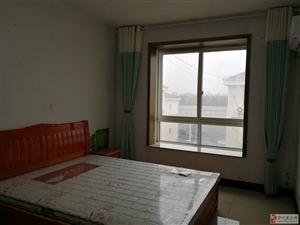 皇家赛车蓝翔花园3室2厅2卫2600元/月