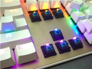 出售标王X12机械键盘一把(青轴)