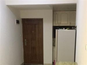 精装3室2厅1卫1800元/月