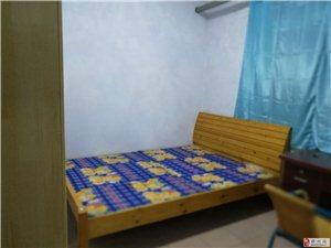 东风路化纤厂家属院2室1厅1卫1800元/月
