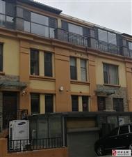 名仕豪庭别墅6室2厅3卫300万元